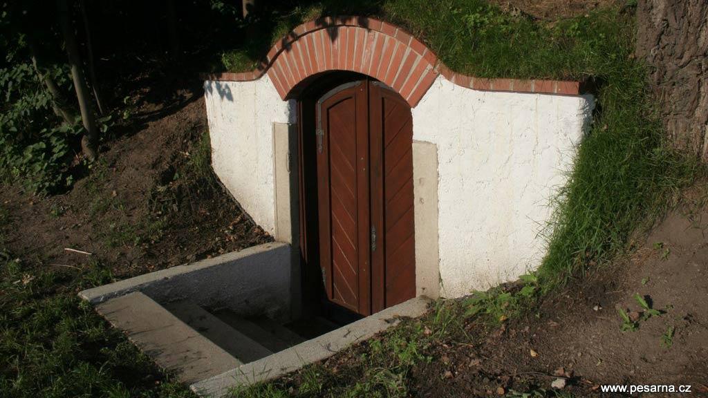 Detail vstupu do Krčínova sklípku.